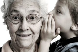 Las abuelas cuidan de los nietos con gran satisfacción