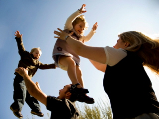 Muchas familias optan por el acogimiento familiar