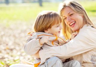 Para adoptar a un niño en España es necesario ciertos trámites