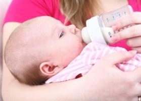 Alimentación de los bebés a los tres 3 meses