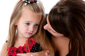 Celos infantiles: cuándo surgen y cómo tratarlos
