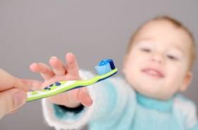 Cepillarse dientes niños 2-3 años