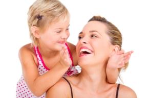 ¿Cómo se relaciona el niño de 1 a 2 años con sus padres y con otros niños?