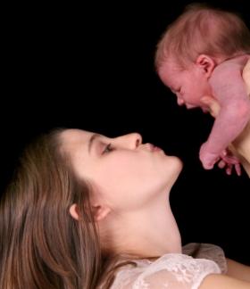 Consejos para calmar el llanto del bebé recién nacido, como tranquilizar