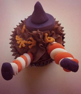 Cupcake de chocolate negro, receta de Alma Obregón