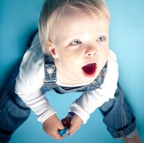 Desarrollo psicomotor bebés de 18 meses