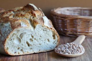El gluten está presente en alimentos como el pan