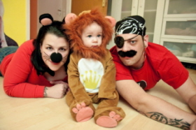 A muchas familias les gusta disfrazarse con sus bebés
