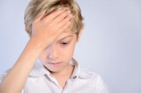 Los dolores de cabeza en niños son más frecuentes con la vuelta al cole