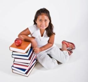 La edad ideal para leer libros y escribir en los niños