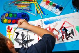 La forma de dibujar de los niños pasa por diferentes etapas