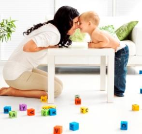 Juegos según la edad del bebé juegos de falda, canciones infantiles