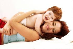 Las familias monoparentales son las formadas por un solo progenitor y su descend
