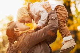 Explicar los orígenes a los niños de las madres solas por elección