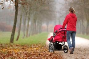 Pasear con el bebé recién nacido sillita de paseo