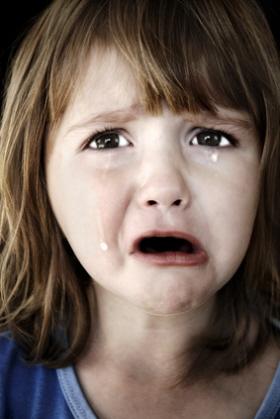 Algunos niños tienen miedo a estar solos por la noche