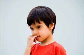 Niños que se muerden las uñas Elbebe.com