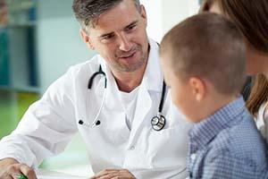 El tratamiento de la enuresis con medicación debe prescribirlo un médico