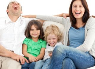 Ver películas con niños en casa es un buen plan para Navidad