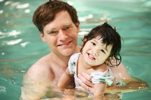 Precauciones para evitar accidentes con niños en piscinas y zonas acuáticas