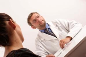 Rutinas en la primera visita al ginecólogo con un embarazo
