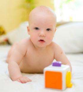Juguetes Bebe De 8 Meses.Juguetes Para Regalar A Bebes De 6 A 12 Meses Elbebe Com