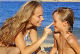 Quemaduras solares de bebé y niños