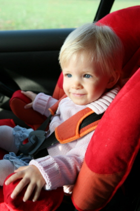 Las sillas de seguridad son obligatorias en el coche