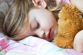 como hacer dormir a una bebe de 2 anos