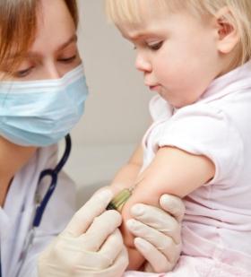 Vacunación de bebés y niños vacunar enfermedades infantiles cuando