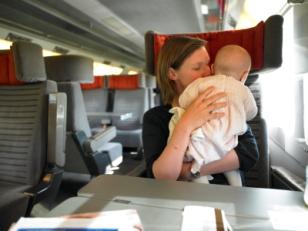 Viajar en tren con bebés y niños descuentos especiales