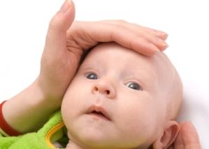 Los vómitos de los bebés y niños enfermedades de la infancia