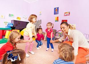 Abierto el plazo para solicitar becas infantiles de 0 a 3 años en Madrid
