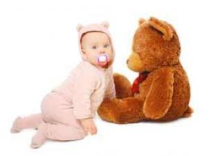 Los niños de 6 a 12 meses empiezan a desarrollar relaciones afectivas con peluch