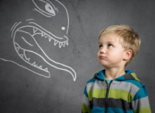 Algunos niños tienen miedo al ruido de las ambulancias y los insectos