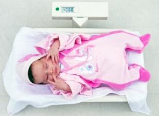 Peso, medidas, perímetro craneal del bebé recién nacido