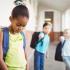 ¿Por qué los niños acosados permanecen en silencio?